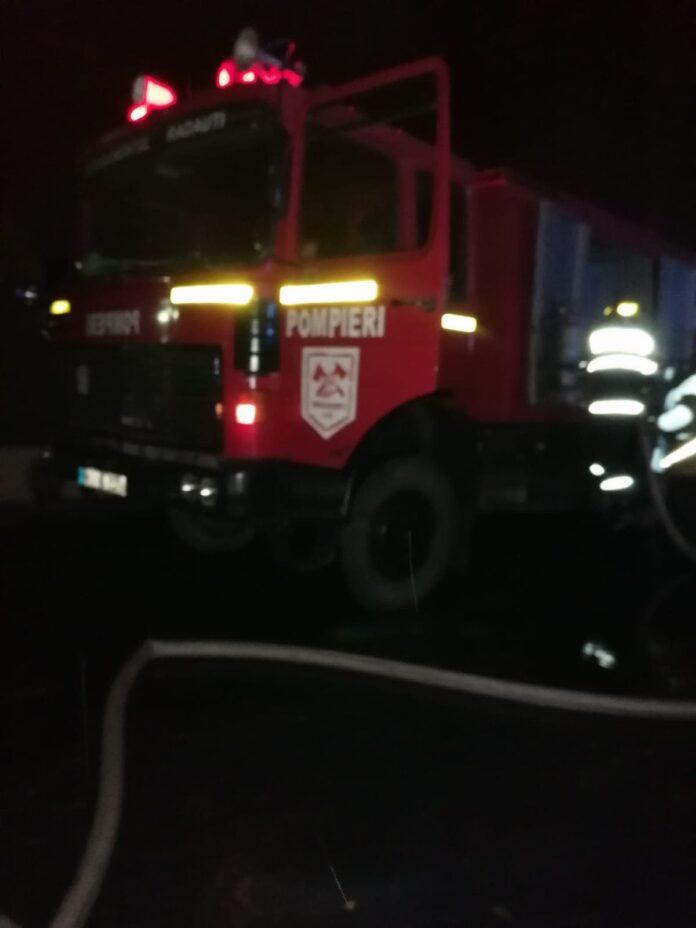 Gospodărie cuprinsă de flăcări în Volovăț VIDEO