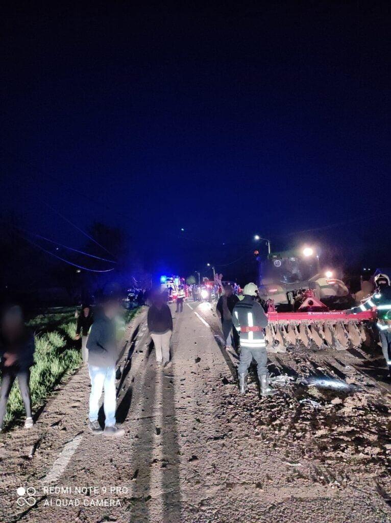 Accident rutier grav pe raza localității Clit. Un tânăr și-a pierdut viața, iar un altul a fost rănit, după coliziunea dintre un tractor și un autoturism FOTO VIDEO
