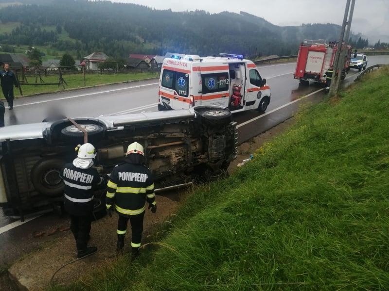Un autoturism s-a răsturnat pe raza localității Mestecăniș FOTO