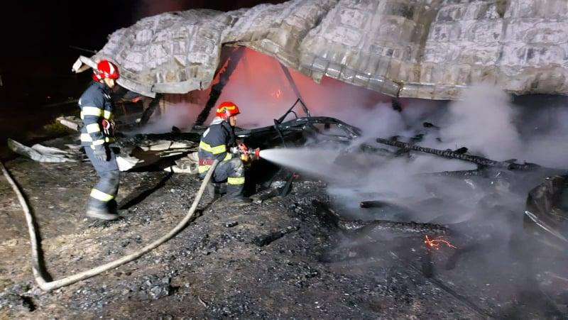 Incendiu la biserica adventistă din Breaza de Sus FOTO