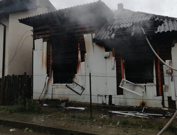 Incendiu la o casă din Gura Humorului FOTO