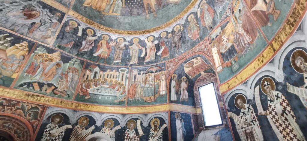 Gheorghe Flutur și Bogdan Gheorghiu au participat de Ziua Bucovinei la recepționarea lucrărilor de restaurare a picturilor la biserica din Bălinești VIDEO