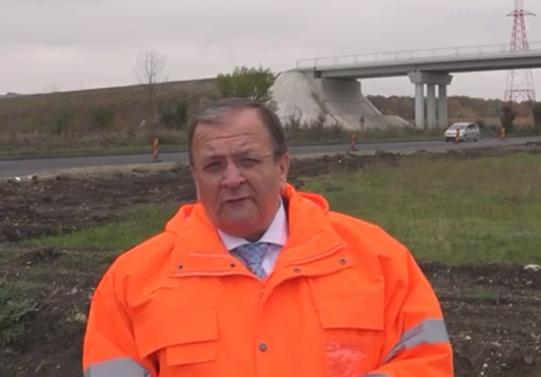"""Gheorghe Flutur: """"Dacă vremea va permite, constructorul susține că în prima parte a lunii decembrie șoseaua de centură a municipiului Rădăuți va putea fi dată în circulație"""" VIDEO"""