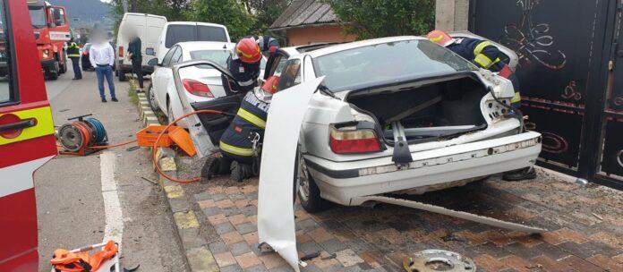 Accident rutier pe raza orașului Gura Humorului. Un tânăr a fost rănit și a fost transportat la spital FOTO