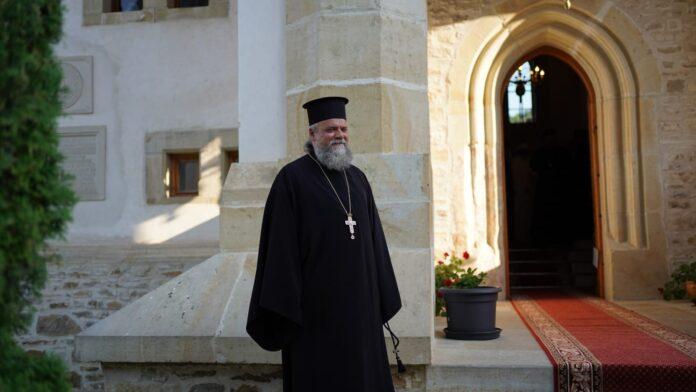 Părintele David Oprea, coordonatorul cabinetului IPS Calinic, a murit în urma complicațiilor suferite din cauza Covid-19