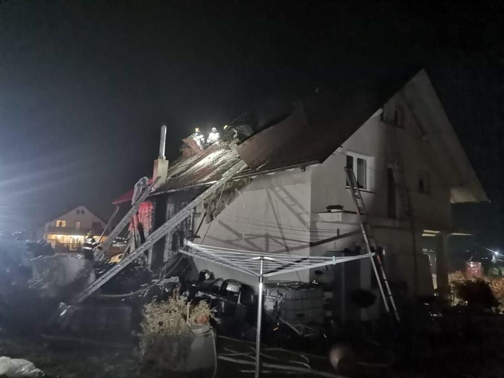 Incendiu la o casă din Bosanci FOTO