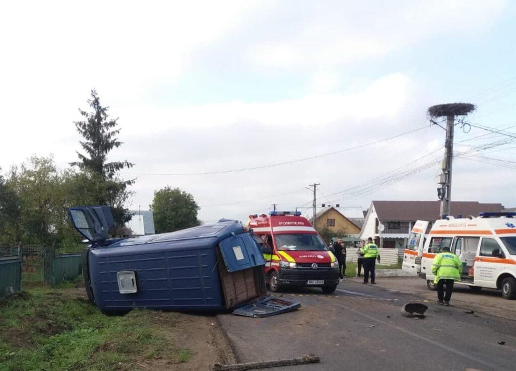 Șapte persoane implicate într-un accident rutier pe raza localității Satu Mare. Două autovehicule au intrat în coliziune VIDEO
