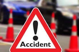Un tânăr din Dărmănești a intrat cu mașina într-un mal de pământ, după care a fost proiectat pe carosabil și a intrat în coliziune cu un autoturism care circula regulamentar