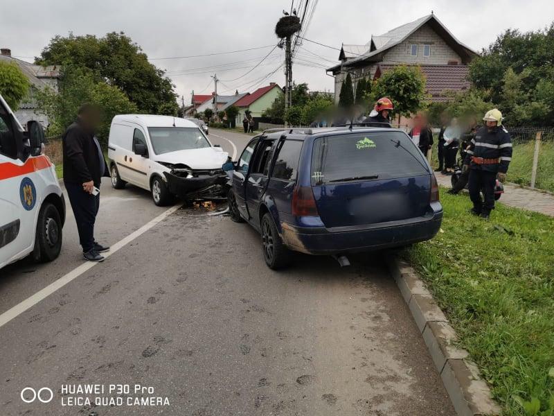 Accident rutier cu doi răniți în municipiul Rădăuți FOTO