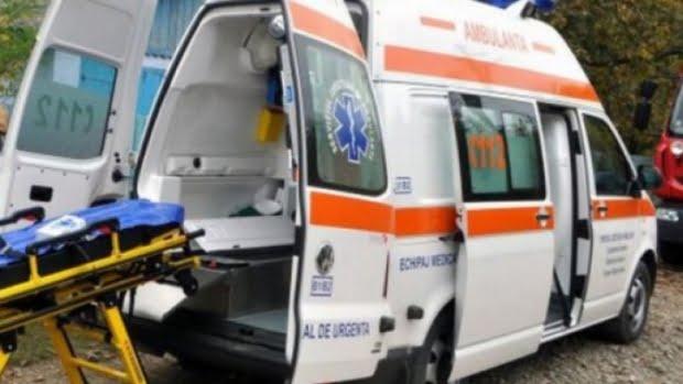 O bătrână din Ipotești a ajuns la spital după ce a căzut pe gheață