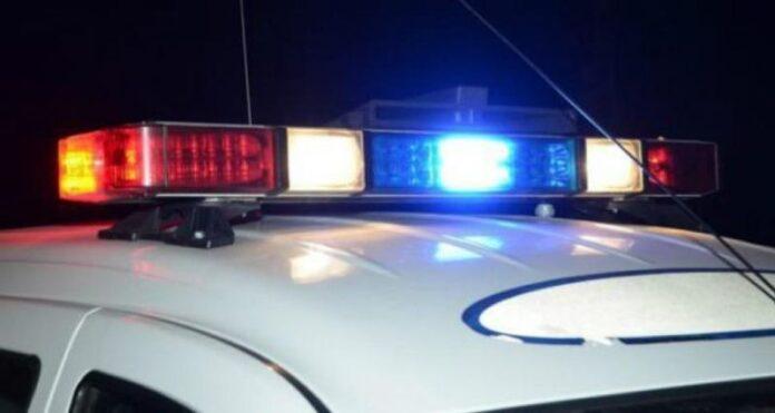 Un tânăr din Vama a fugit de poliție și a ajuns cu mașina în gardul unui imobil