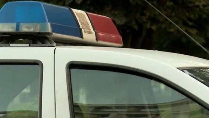 Un bărbat din Boroaia a intrat cu mașina într-un cap de pod. Avea permisul anulat
