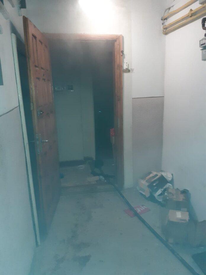 Incendiu într-un apartament dintr-un bloc din municipiul Suceava FOTO VIDEO