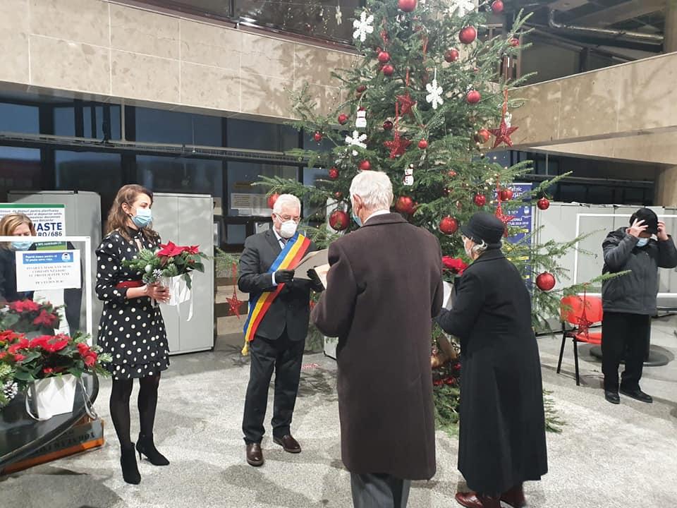 17 cupluri de aur sărbătorite la Primăria Suceava FOTO