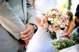 Numărul maxim de participanți la nunți și botezuri în spații închise crește la 200. Vezi ce condiții trebuie îndeplinite