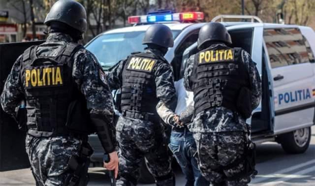 Șase persoane reținute pentru proxenetism și trafic de minori