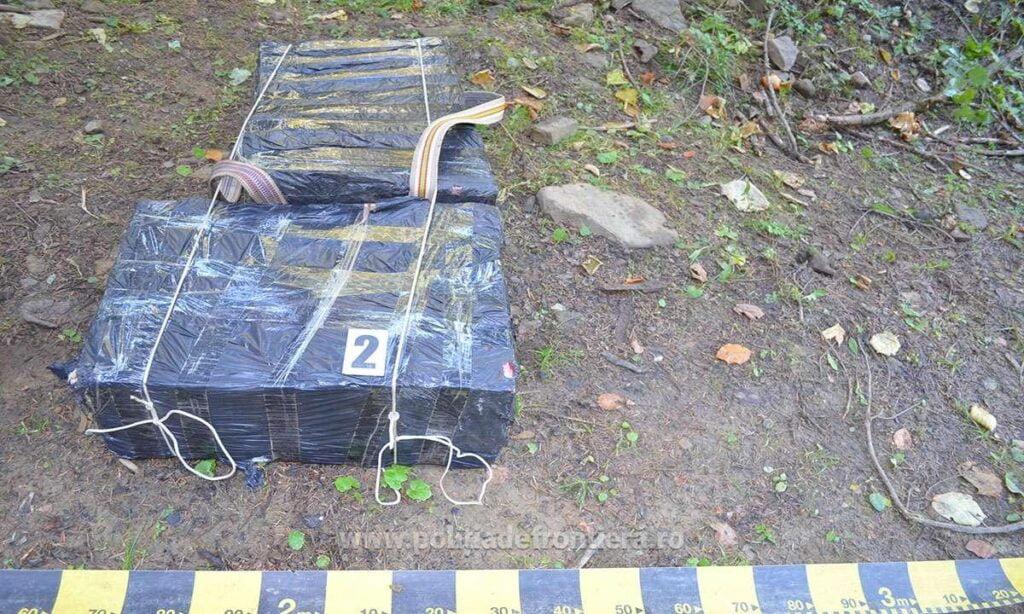 Țigări de contrabandă în valoare de peste 45.000 lei abandonate de cărăuși la Straja